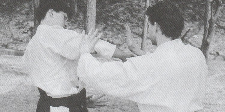 Against a yokomen-uchi knife