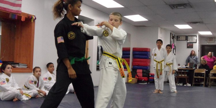 Pka karate-pittsburgh-junior-teen test-kids karate-kenpo-jujitsu-aikido-mma-anti-bully-october-2011 (15